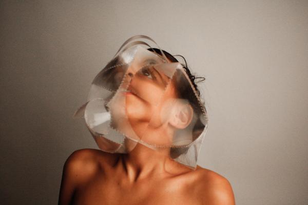 bijou-bijoux-ambrecardinal-loupe-masque-art-artistic-creative-performance-artist-artiste-creativedirector-directriceartistique-mask-ugly-beauty-beaute